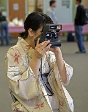 Those Japanese and their cameras.